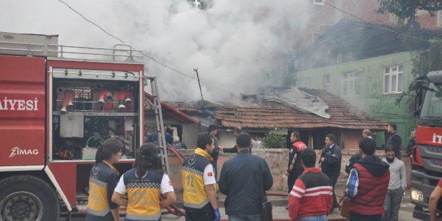 Bursa, İnegöl'de Elektrikli Isıtıcı Yangına Sebep Oldu