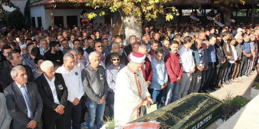 Ahmet Zorlu Kuşadası'nda Toprağa Verildi