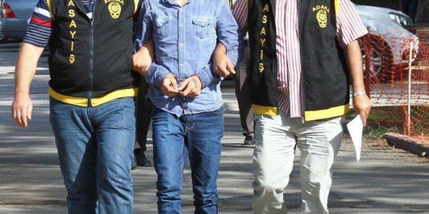 Adana'da Yürüyüş Yapan Şahsı Gasp Ettiler