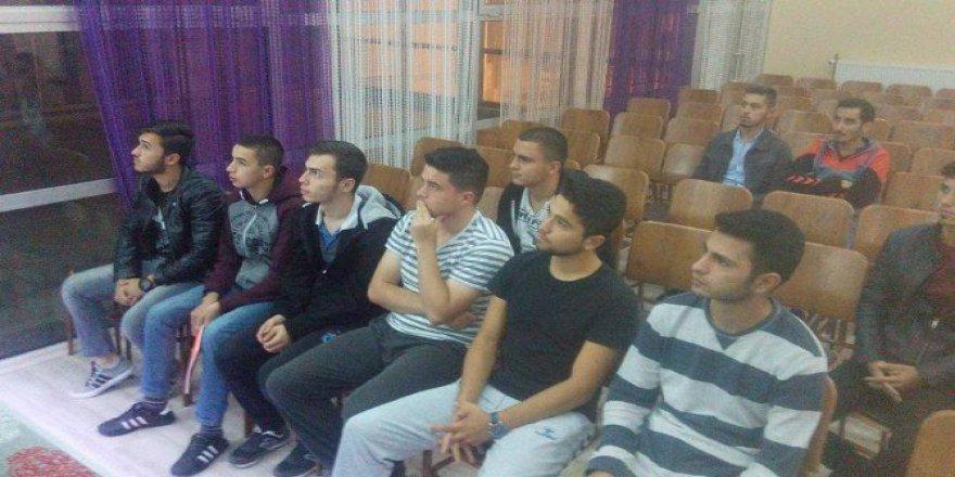 Zonguldak, Alaplı'da KYK Öğrencileri İçin Kurs Açıldı