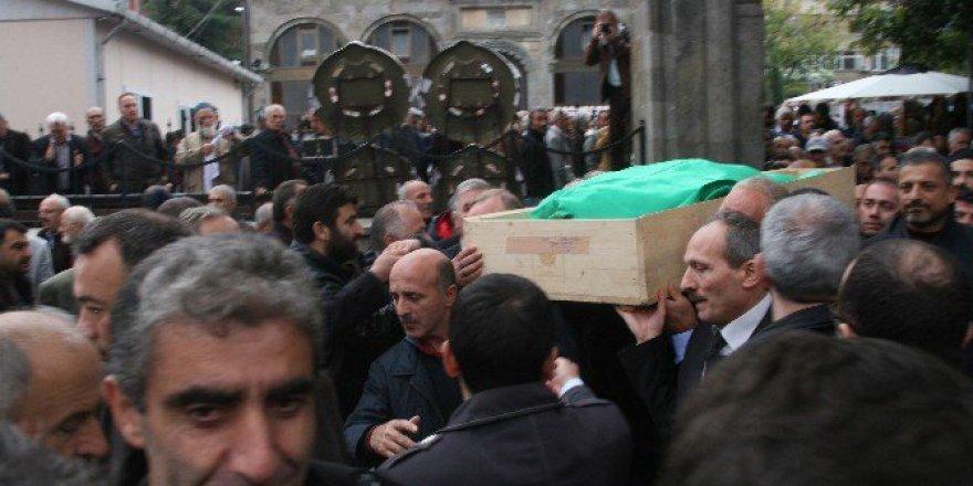 Başkan Ahmet Aslanoğlu Son Yolculuğuna Uğurlandı