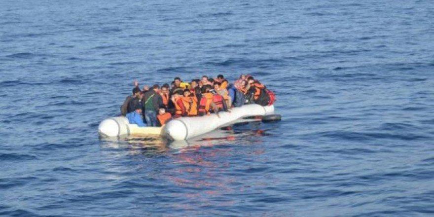 Kuşadası Körfezi'nde Kaçak Gömen Operasyonu: 62 Göçmen Kurtarıldı