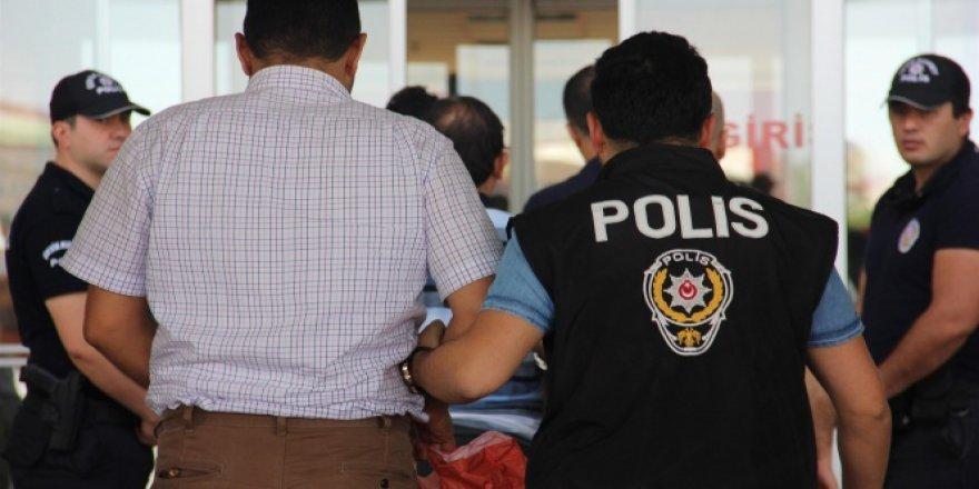 Alanya Cezaevi ikinci müdürüne FETÖ'den gözaltı