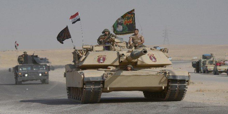 Irak Ordusunda Şii Flamaları Dikkat Çekti