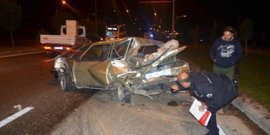 Malatya-Elazığ Karayolunda Trafik Kazası: 4 Yaralı