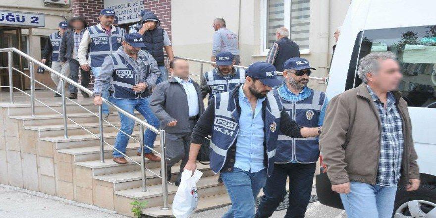 Bursa'da Polis 'Sınav Soruları Çalındı' Diyen Genci Uyuşturucudan Dinledi