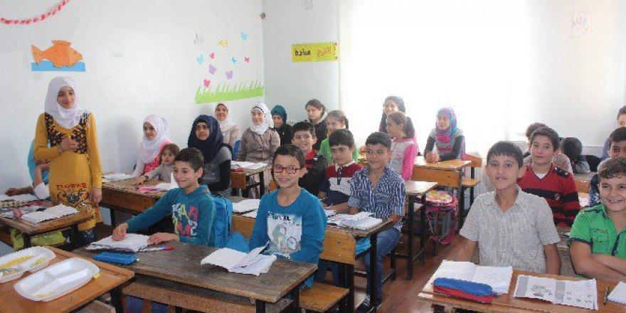 Kilis'te Suriyeli Öğrencilerin Kayıp Yılları için Hızlandırılmış Eğitim