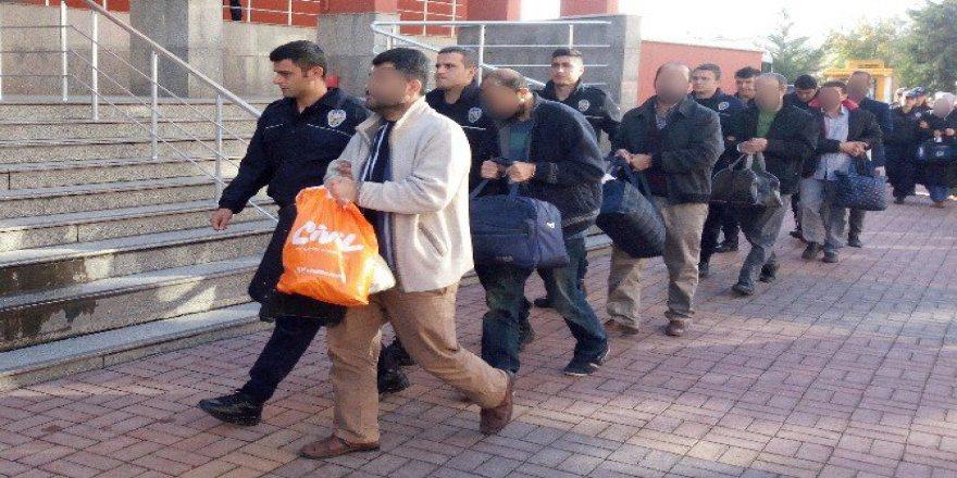 Kocaeli'de 7 Kamu Çalışanı ByLock'tan Tutuklandı