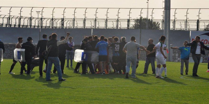 Karacabey Birlikspor-Kocaelispor maçına ceza yağdı