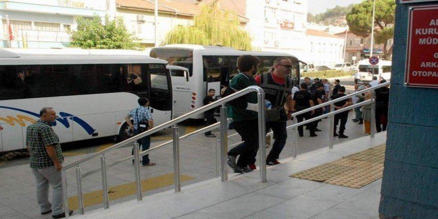 Aydın'da FETÖ/PDY'den 33 Kişiye Gözaltı, 166 Kişi Aranıyor