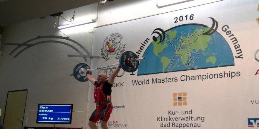 Spor Hocası Ziya Suvar Dünya Halter Şampiyonası'nda 4. Oldu