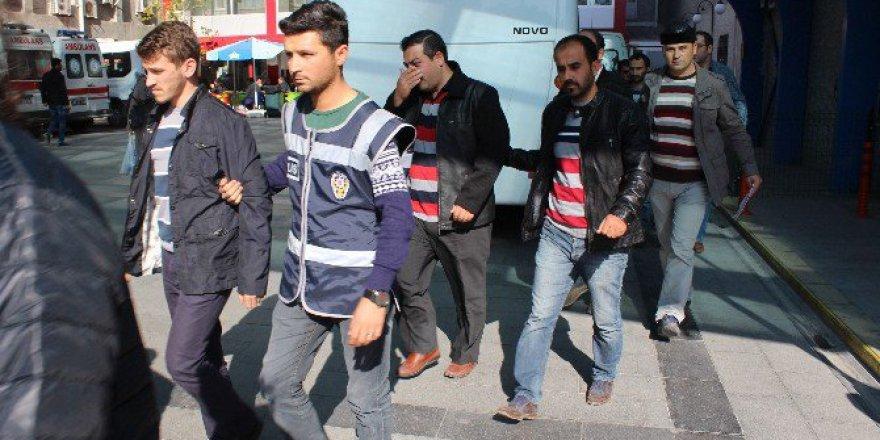 Karaman Merkezli 20 İlde FETÖ Operasyonu: 15 Gözaltı