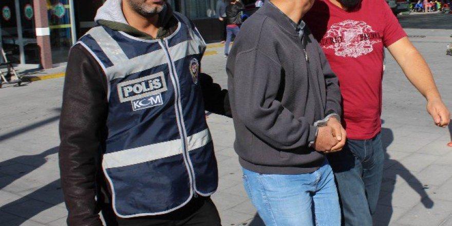 Konya'da 47 Şüpheli Asker Sağlık Kontrolünden Geçirildi