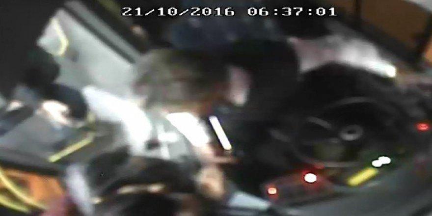 İETT Otobüsü Şoförüne Dayak Kameralara Böyle Yansıdı