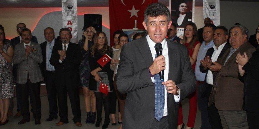 """Metin Feyzioğlu; """"Bizim Hedefimiz Yüzde 100'e Hitap Etmek Olmalıdır"""""""