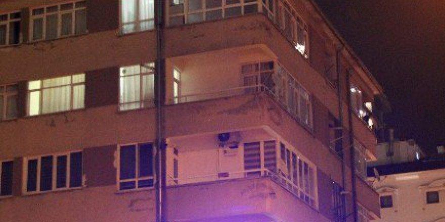 Kayseri'de Bir Kişi Bina Çatısına Çıkarak İntihar Etmek İstedi