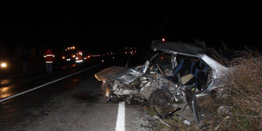 Kırklareli, Vize'de Trafik Kazası: 1 Ölü 2 Yaralı