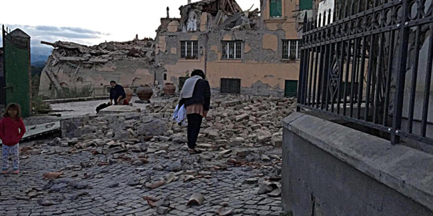 İtalyan Depremzedeler Kentten Ayrılmak İstemiyor