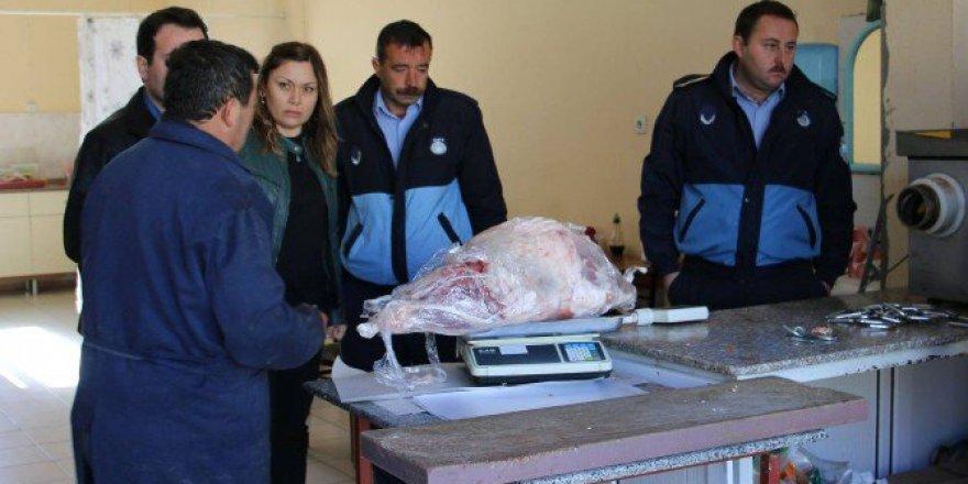 Denizli, Çivril'de 100 Kilo Kaçak Et Ele Geçirildi