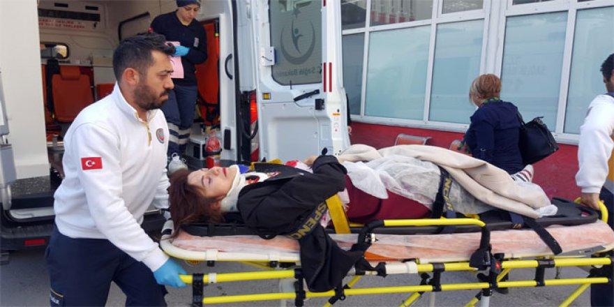 Samsun'da bir kadın aracını park ederken takla attı