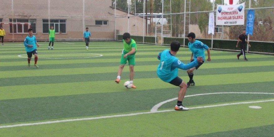 Ağrı'da Düzenlenen Nike Halı Saha Ligi Şampiyonu Spor Lisesi Oldu