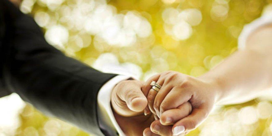 Evlilikte mutlu olmanın 4 sırrı