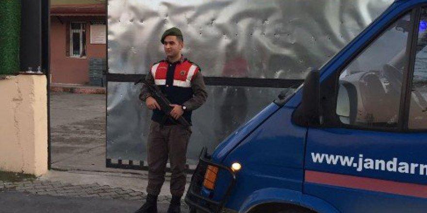 Sakarya, Kaynarca'da Aranması Bulunan 8 Kişiden 3'ü Tutuklandı