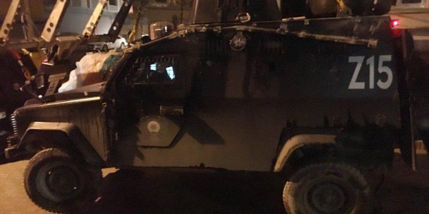 İstanbul, Esenyurt'ta Polis Aracı Devrildi: 3 Yaralı