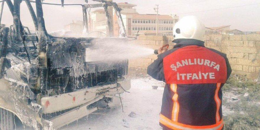 Şanlıurfa, Akçakale'de Ateşle Oynayan Çocuklar Kamyonu Yaktı