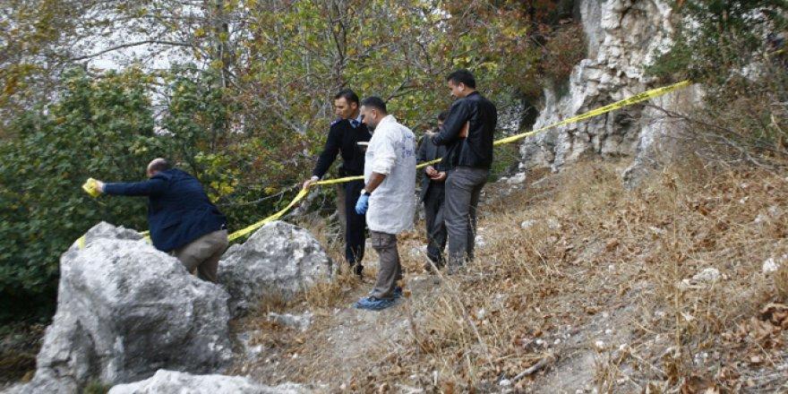 Buca'da Ormanlık Alanda Yanmış Erkek Cesedi Bulundu!