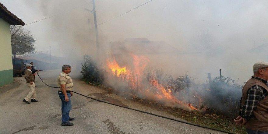 Çanakkale'de Kuvvetli Fırtına Yangın Çıkardı