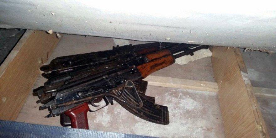 Diyarbakır, Silvan'da PKK'ya Ait Silah Ve Mühimmat Bulundu