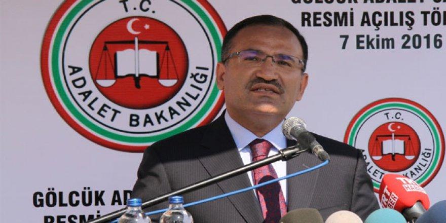 Adalet Bakanı Bozdağ: 'Gazetecilik faaliyeti nedeniyle tutuklu yok'