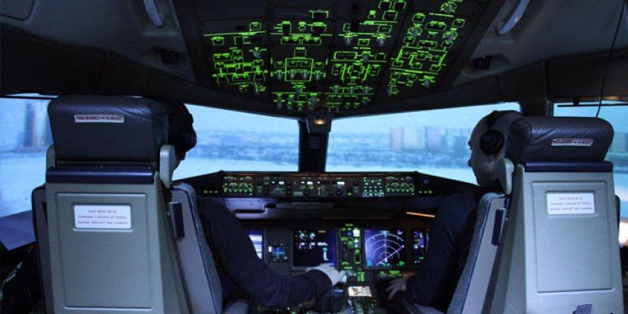 Pilottan Kuleye İlginç 'Kuş' Anonsu