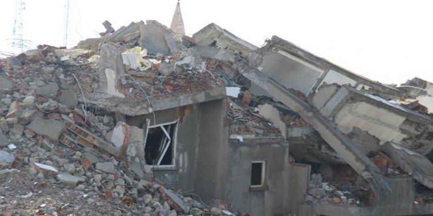 Şırnak'ta yaşanan çatışmalardan geriye moloz yığınları kaldı