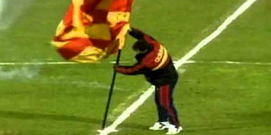 """Galatasaraylı Graeme Souness 20 yıl sonra """"bayrak dikme"""" olayını anlattı"""