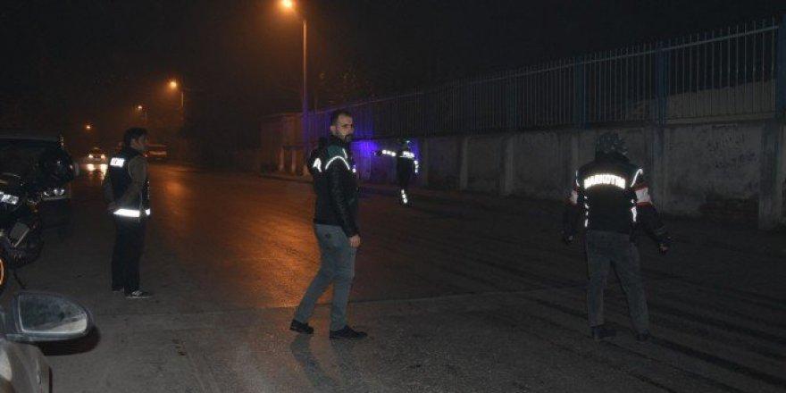 İzmir'de 300 Polisle Narkotik Uygulaması: 20 Gözaltı