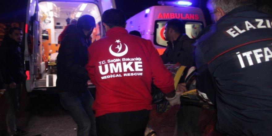 Elazığ'da Trafik Kazası: 1'i Ağır 4 Yaralı