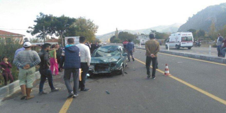 Muğla, Ortaca'da Otomobille Motosiklet Çarpıştı; 2 Ağır Yaralı