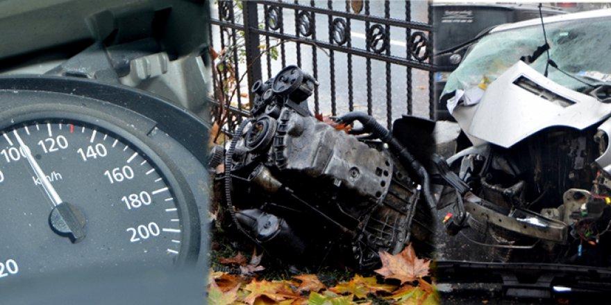 Şişli Piyalepaşa Bulvarı'ndaki kazada motoru sökülen aracın hız ibresi takılı kaldı