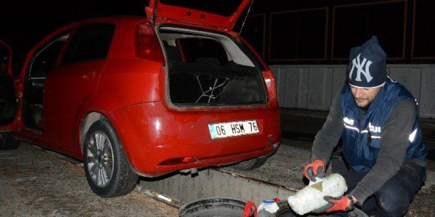 Durdurulan Otomobilin Stepne Lastiğinden 10 Kilo Esrar Çıktı