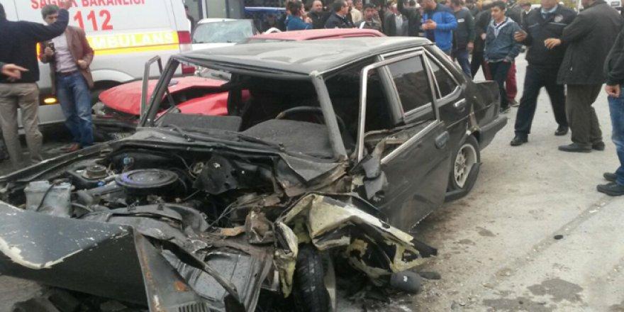 Hatay'da 3 Araç Birbirine Girdi: 1 Ölü, 3 Yaralı