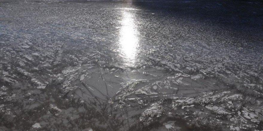 Kars Barajı Dondu