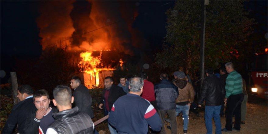 Adana, Aladağ'da facianın yaşandığı yurdun yakınındaki binada yangın