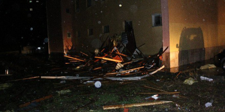 Ereğli'de Fırtınadan Hasar Gören Pansiyondaki 38 Öğrenci Tahliye Edildi