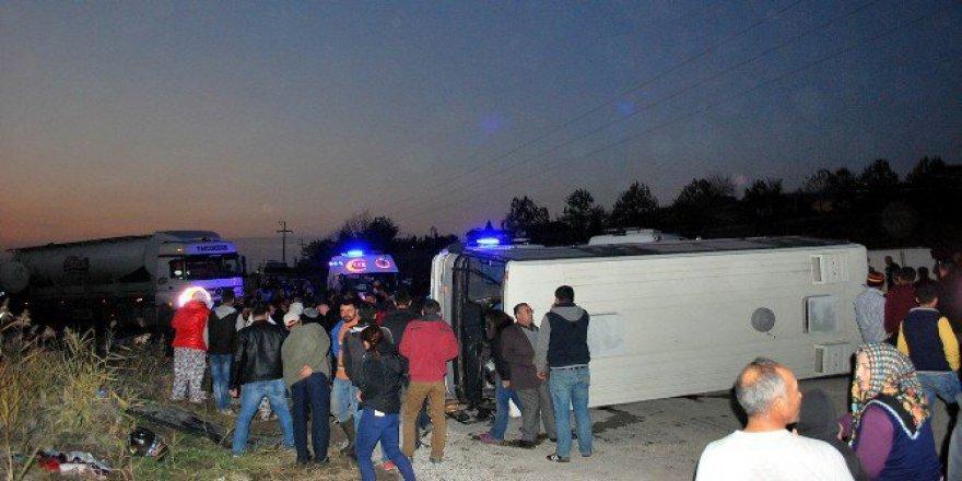 Manisa, Salihli'de 3 Araç Çarpıştı: 21 Yaralı