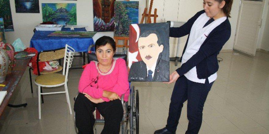 Ağzıyla Yaptığı Cumhurbaşkanı Portresini, Erdoğan'a Hediye Etmek İstiyor