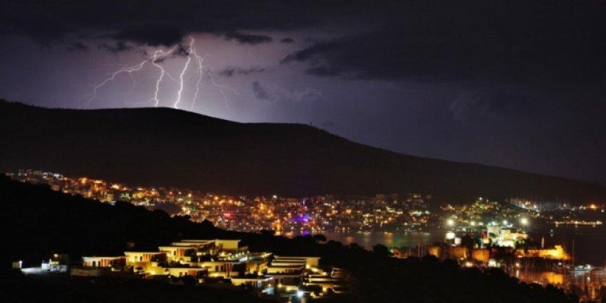 Bodrum'da Geceyi Aydınlatan Görsel Şölen