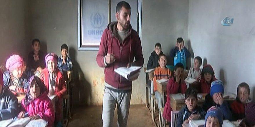 Savaşın Gölgesinde Eğitim Görüyorlar