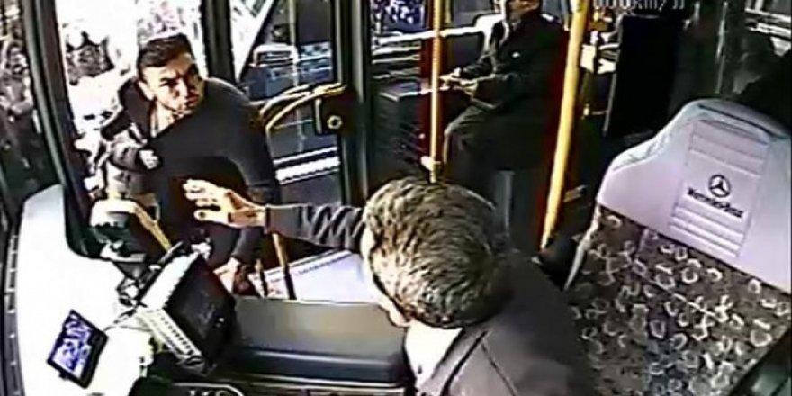 Milli Futbolcu Burak Yılmaz'dan otobüs şoförüyle tartışmasına ilişkin açıklama